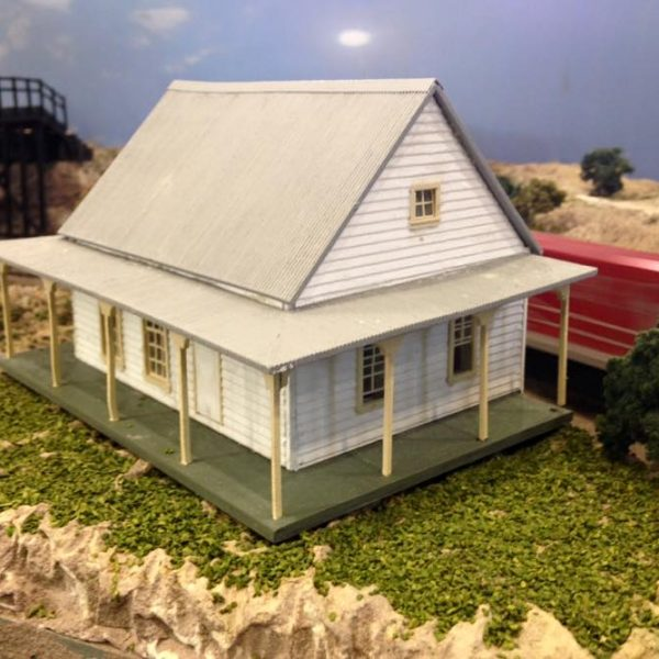 Country Cottage Ho Scale Model Train Buildings