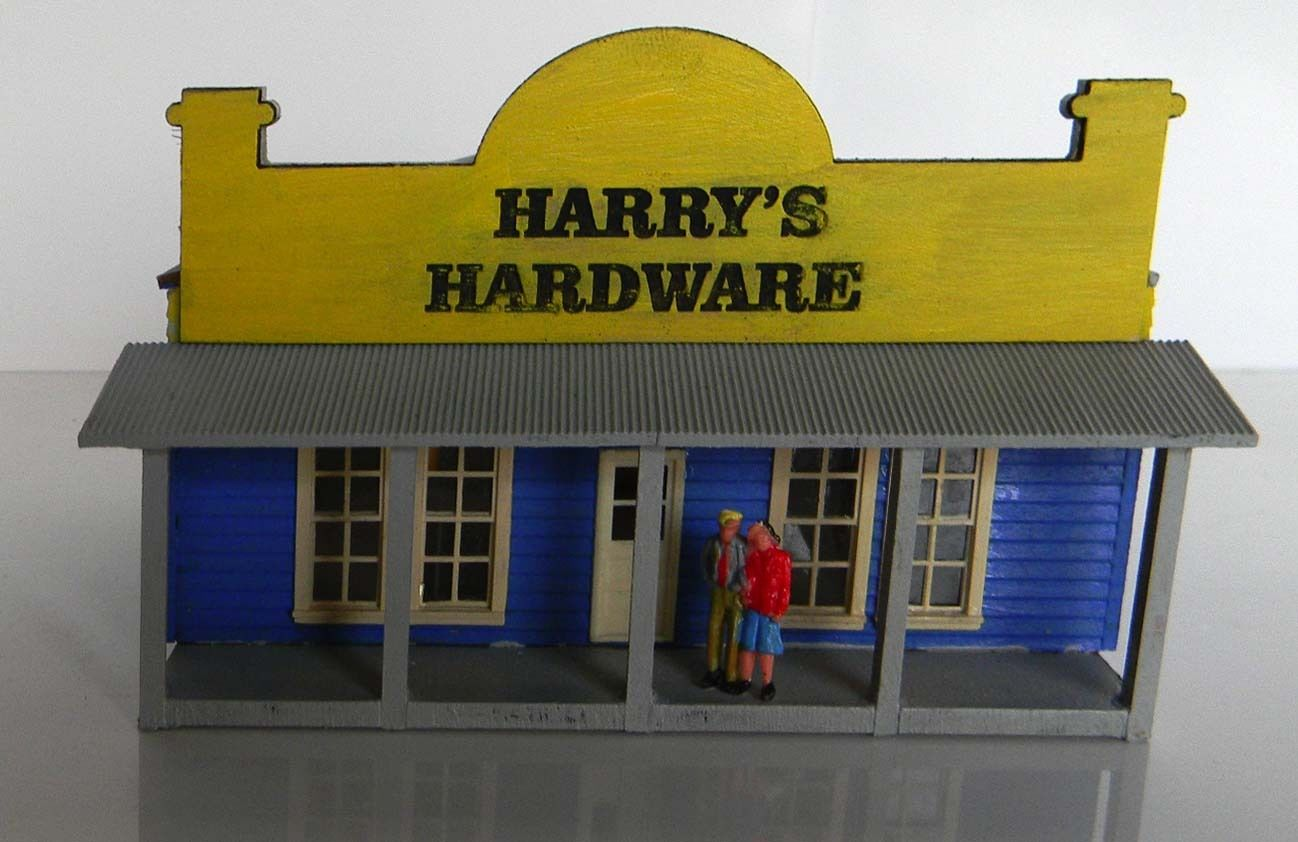 N scale building Harry's Hardware store (KIT)